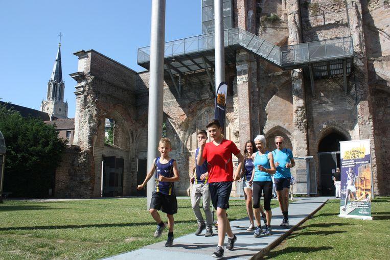 De Monumentenrun leidt de lopers langs de bekendste monumenten van Sint-Truiden.