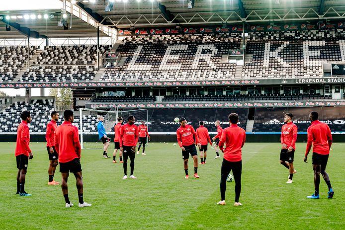 PSV trainde woensdag in het Lerkendal Stadion van Rosenborg.