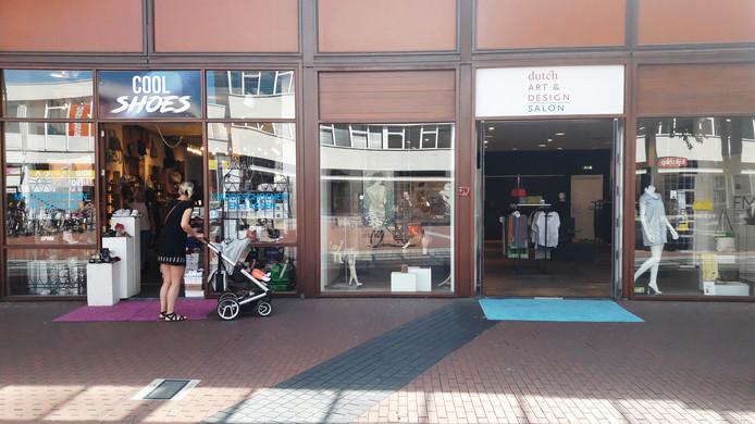 Twee tijdelijke winkels op het Loeffplein
