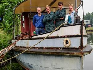 Matrozenbroers kopen historische Duitse sleepboot