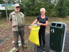 Kees en Astrid wandelen en ruimen tegelijkertijd op: 'De mensen laten veel afval achter'