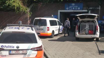 """Politie controleert duizend pendelaars aan beide treinstations: """"Mogelijke drugsdealer gevat"""""""