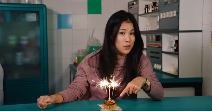 Op haar YouTube-kanaal maiLab plaatst Mai Thi Nguyen-Kim elke week een nieuw filmpje over alledaagse scheikundige processen.