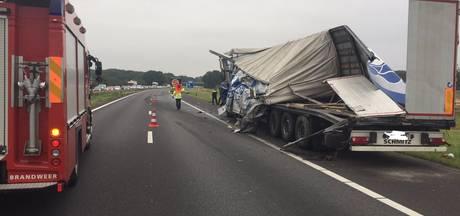 Rijstroken A73 weer open na botsing vrachtwagens