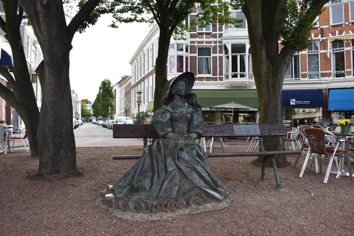 Beeld Anna Paulowna in Den Haag, fotograaf Nisha Alberti