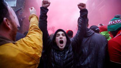 """Spektakelmatch overschaduwd door moordpoging: Liverpool-fan vecht voor leven na aanval met """"riemen en hamers"""""""