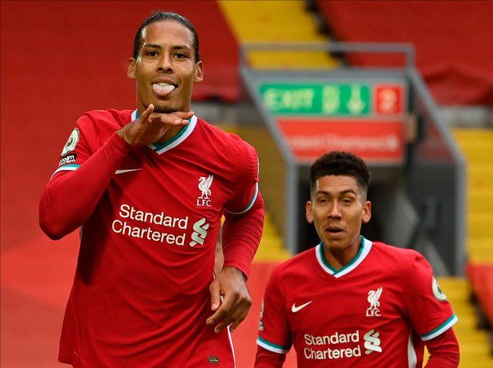 Virgil van Dijk juicht na zijn goal tegen Leeds United (4-3) van zaterdagavond op Anfield.