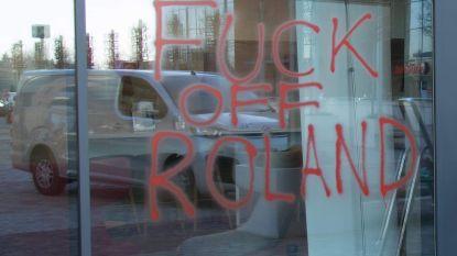 Boze Charltonfans bekladden huizen van Roland Duchâtelet: 'Just sell the club' en 'Fuck off Roland'