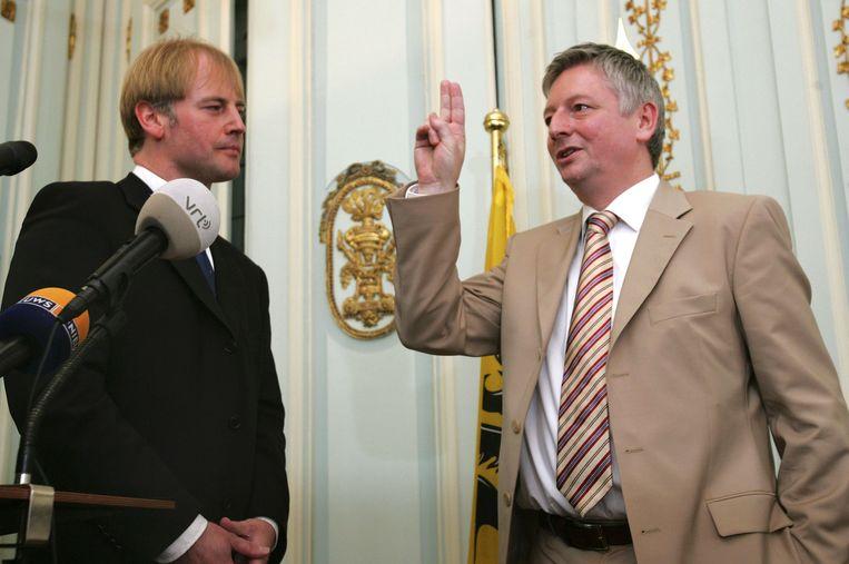 2005. Stevaert legt de eed af als Limburgs provinciegouverneur.