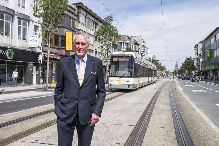 Schaal Sels Op Tramsporen Merksem In De Buurt Hln