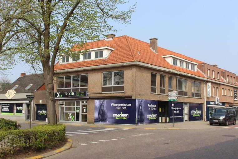 De nieuwe residentie komt in de plaats van dit hoekpand op de Markt.