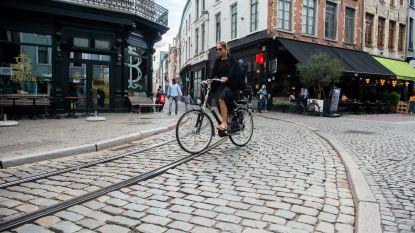 Trambedding van Melkmarkt en Korte Koepoortstraat krijgt asfaltlaag