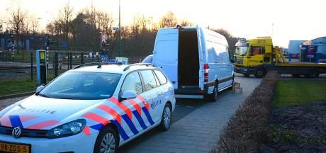 Bestelbus vol met postpakketjes gestolen en leeg teruggevonden in Rijen