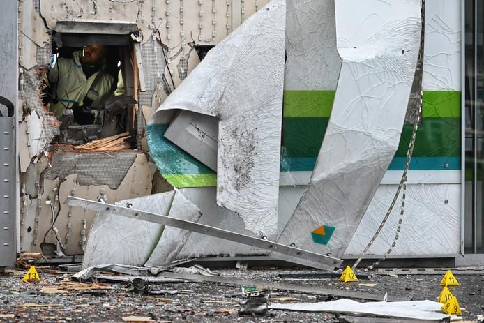 Enorme ravage na plofkraak op ABN Amro in Zundert