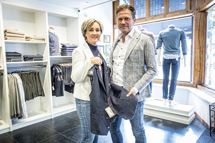 Ingrid en Lucien Brinks van Koedijk Mode geloven in de kracht van een fysieke winkel.