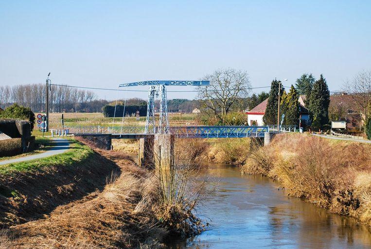 De oude Hansbrug over de Dijle, op de grens van Haacht en Keerbergen. Het is hier dat er duizend jaar geleden een dorp en adellijke burcht moeten hebben gelegen.