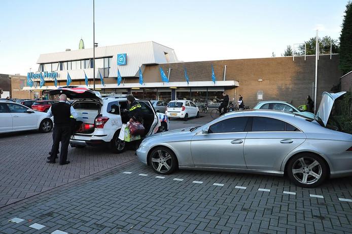 De auto waar de gestolen lego in lag, is in beslag genomen door de politie.