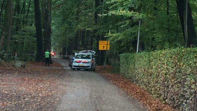 De verdachte werd aangehouden in Park Brabant in Schalkhaar. Hij was daar naar eigen zeggen aan het joggen en had niets met de plofkraak te maken.