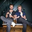 Roderick Heijning, met zijn compagnon Siem van Bruggen winnaar van de AD Friettest 2015