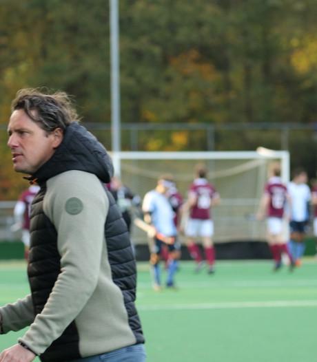 Hattemse hockeycoach Van der Meer verdwijnt van veld, maar niet uit de zaal