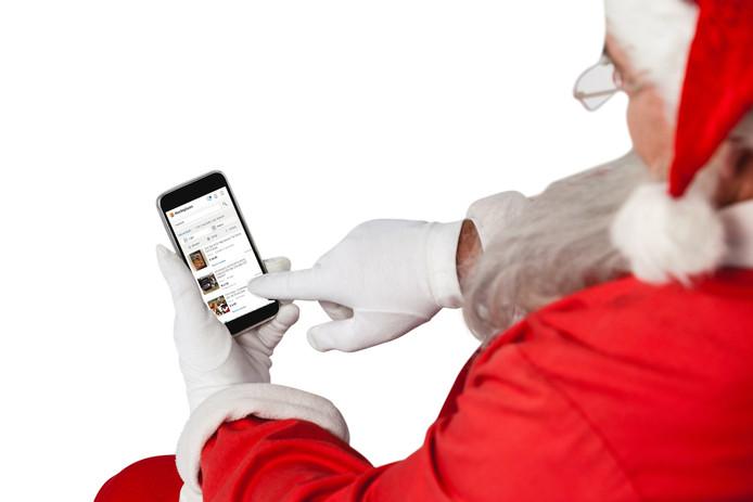 De kerstman struint Marktplaats af naar door jullie aangeboden cadeaus.
