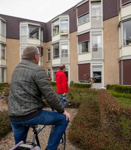 Journalist dringt stiekem corona geteisterd verzorgingstehuis binnen in Heerde