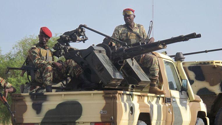 Een konvooi van militairen uit Kameroen in strijd tegen de terroristen van Boko Haram. Beeld afp