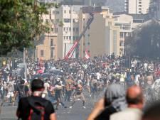 Protesten Beiroet: ruim 100 gewonden na inzet traangas, ministerie bestormd