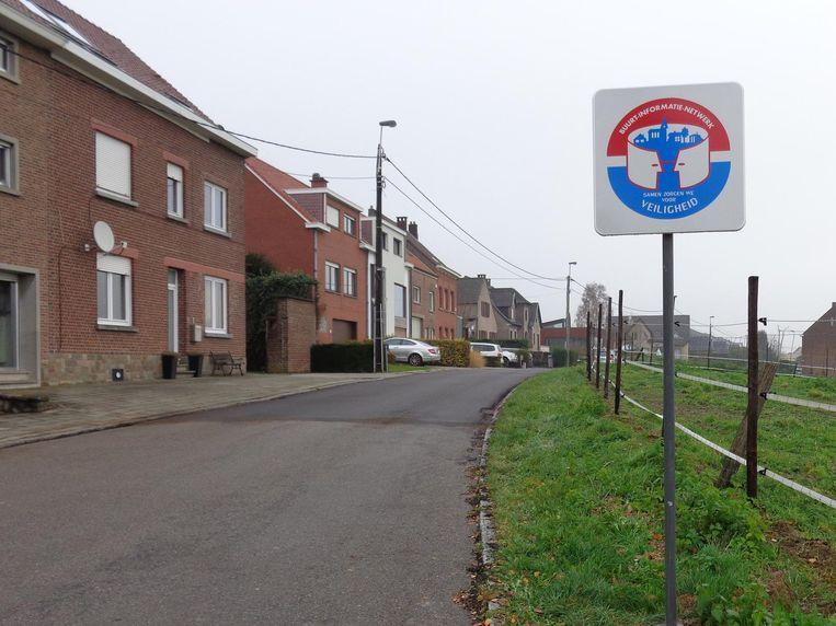 Dit bord geeft aan dat er een buurtinformatienetwerk (BIN) actief is in een bepaalde wijk.