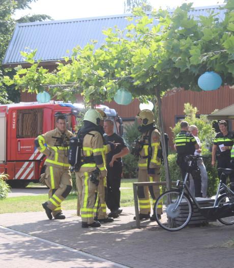 Hulpdiensten rukken uit voor woningbrand in Apeldoorn