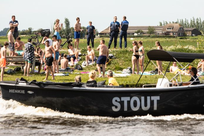 Drukte bij Eemdijk gisteren waar politie en boa's moesten optreden.
