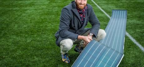 Kunstgrasvelden vangen zonne-energie met uitvinding van topvolleyballer uit Haaksbergen