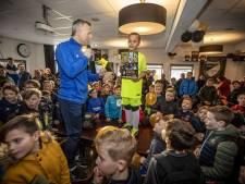 Jacht op voetbalplaatjes van de jonge helden van Quick'20 kan beginnen