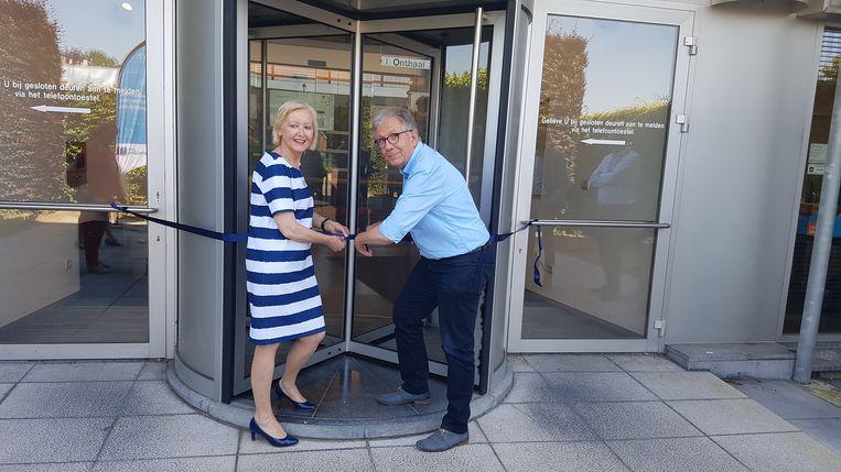 Burgemeester van Geel Vera Celis (N-VA) en Paul Verbeeck, voorzitter van Cipal, openden het vernieuwde Technologiehuis.
