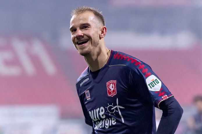 Vaclav Cerny heeft bij FC Twente weer de lach op het gezicht.