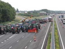 Boeren blokkeren A2 bij Boxtel, snelweg deels afgesloten