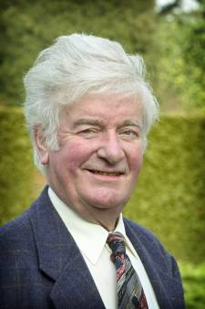 Chris van den Aker, gemoedelijkheid zelve in de  dorpspolitiek van Hilvarenbeek, op 86-jarige leeftijd overleden