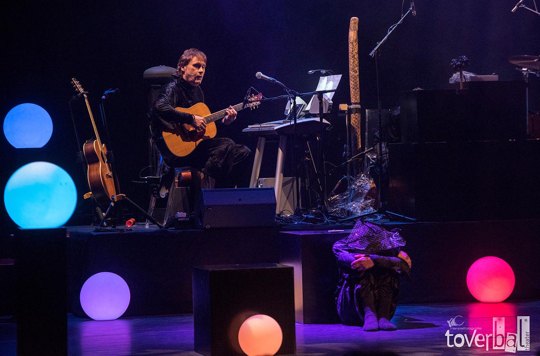 Optreden  van Maarten Peters met het Toverbaltheater in Delamar.