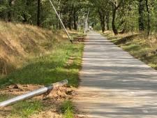Nieuwe lantaarnpalen tussen Losser en Overdinkel omver getrokken