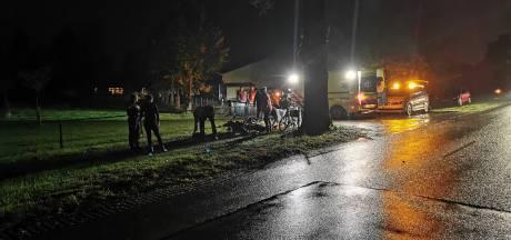 Scooterrijder botst op boom bij tussen Lunteren en Barneveld; fietser verleent eerste hulp