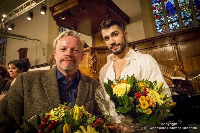 Nicolas Mansfield (links) en de Syrische danser Ahmad Nicolas