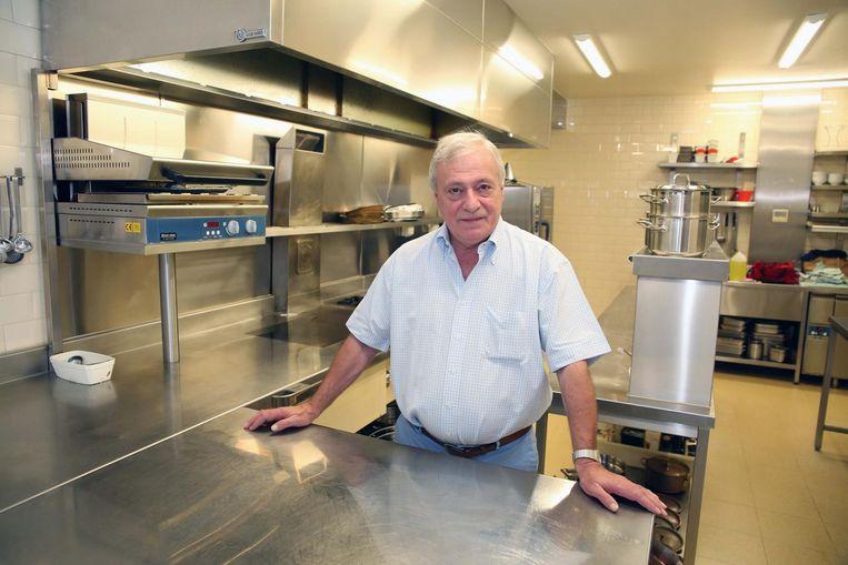 Frank Wouters in zijn keuken van De Grand Cru, die meeverhuist.