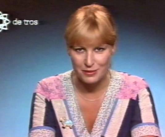 Anneke Bakker in de tijd dat ze nog omroepster was.