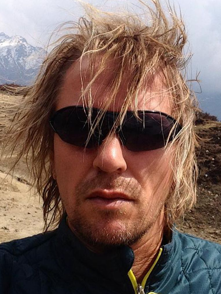De volgende foto's tonen het effect van de klim op Lassche. Hij maakte gedurende het proces negen foto's van zichzelf. 2/9 Beeld Geert Jan Lassche