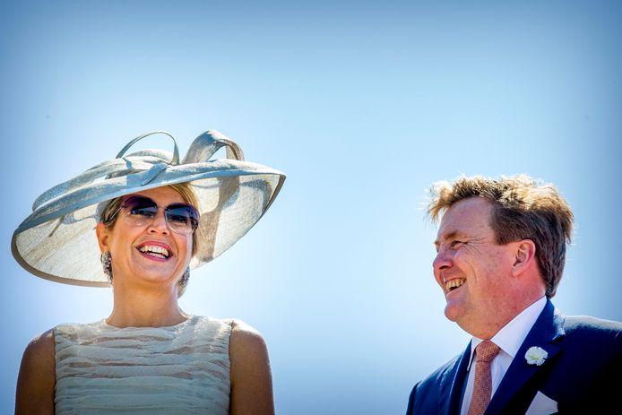 Koning Willem-Alexander en Koningin Maxima in Enkhuizen, foto ter illustratie.