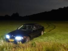 Man scheurt rond, belandt in weiland bij Voorthuizen en verstopt zich in de bosjes: helikopter vindt hem