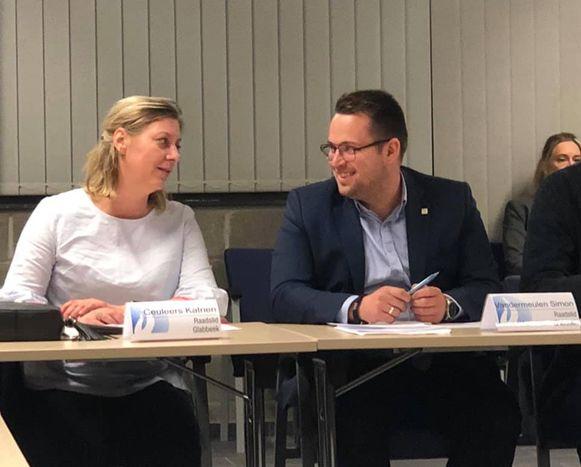 Katrien Ceuleers en Simon Vandermeulen zijn enthousiast over hun zitje in de politieraad.