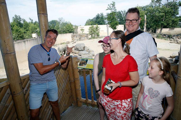Vanessa (38) met man Filip (38) en kinderen Yana (14) en Sophie (8)