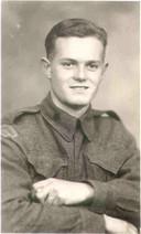 Jack Ewart Hollingshead, een van de Canadezen die omkwam aan de Zwolseweg. De andere drie gesneuvelden waren Herbert Syvret, Brenton Leroy Ringer en John Raymond Bridges.
