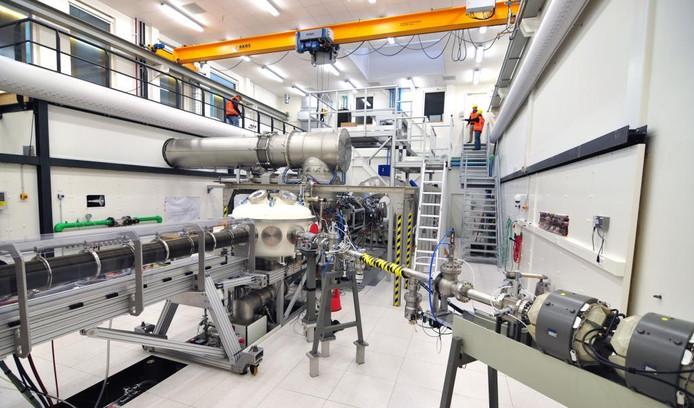 De onderzoeksfaciliteit Magnum-PSI van Differ in EIndhoven is de enige ter wereld die materialen kan testen onder de extreme omstandigheden in een fusiereactor.